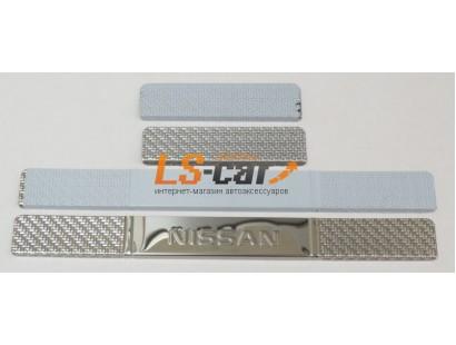 Накладки на пороги Nissan Terrano штамп, карбон