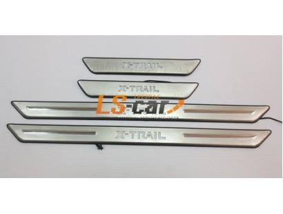 Накладки на пороги светящиеся Nissan X-Trail Т31 2007-2015