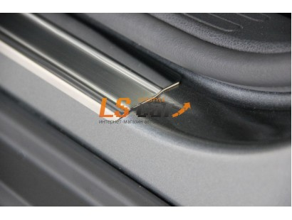 Накладки на пороги Mitsubishi ASX