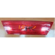 Вставка отражатель на багажник ВАЗ 2115 (DL5271B-RD)