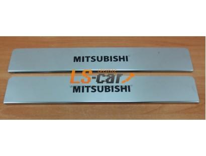 Накладки на пороги Mitsubishi Pajero IV из нержавеющей стали