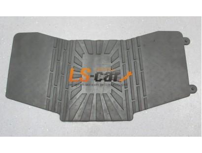 Коврик-перемычка тоннеля в салоне автомобиля между задними коврами